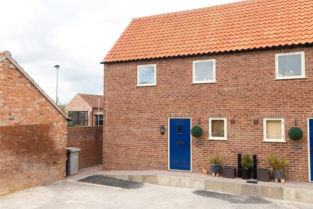 2 Bedrooms Semi Detached House for sale in Market Place, Wragby, LN8