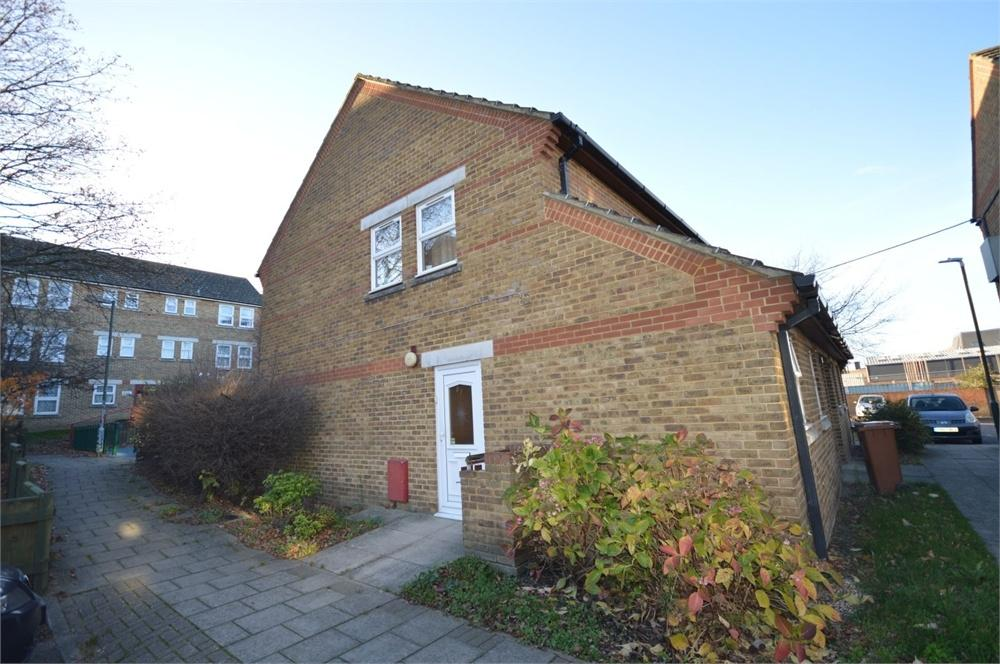1 Bedroom Flat for sale in St Fidelis Road, Erith