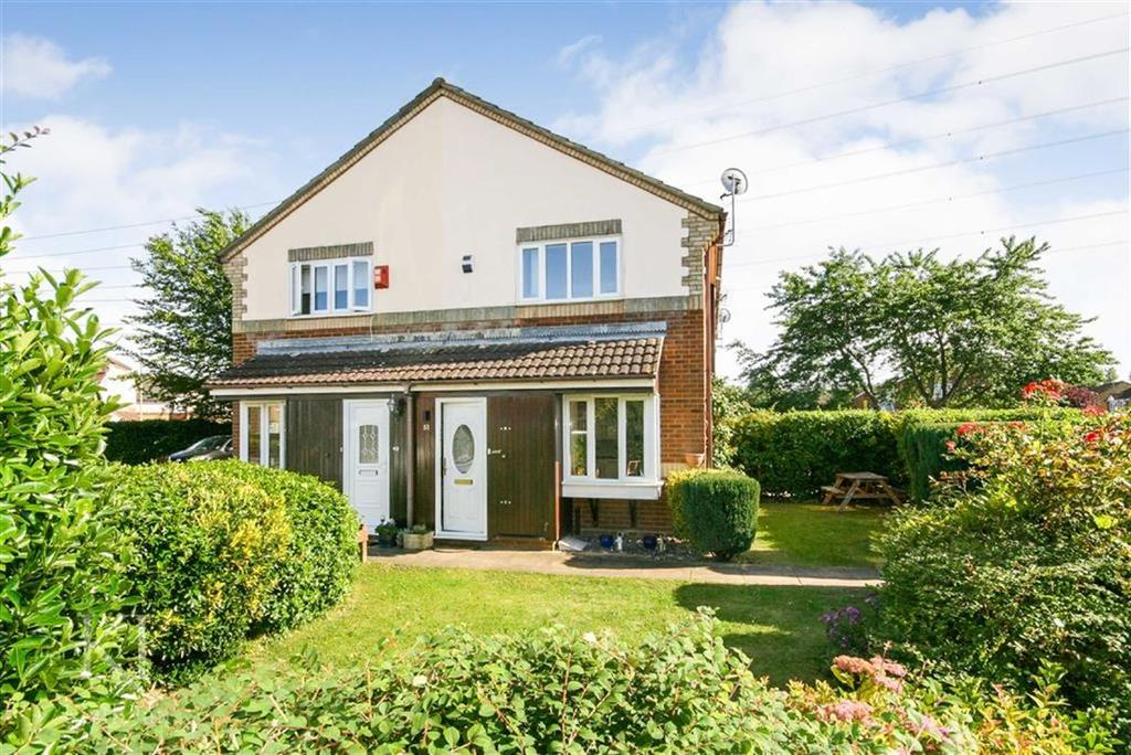 1 Bedroom Terraced House for sale in Denny Gate, Cheshunt