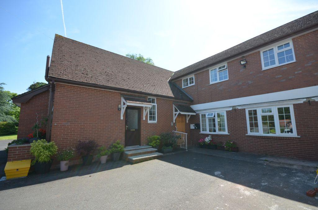 1 Bedroom Flat for sale in Luscombe Hill, Dawlish, EX7