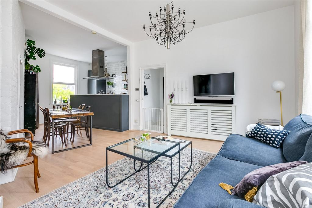 3 Bedrooms Flat for sale in New Kings Road, London