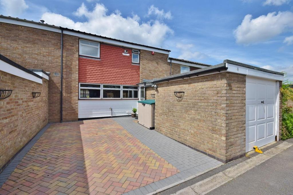 3 Bedrooms Terraced House for sale in Buckskin, Basingstoke, RG22