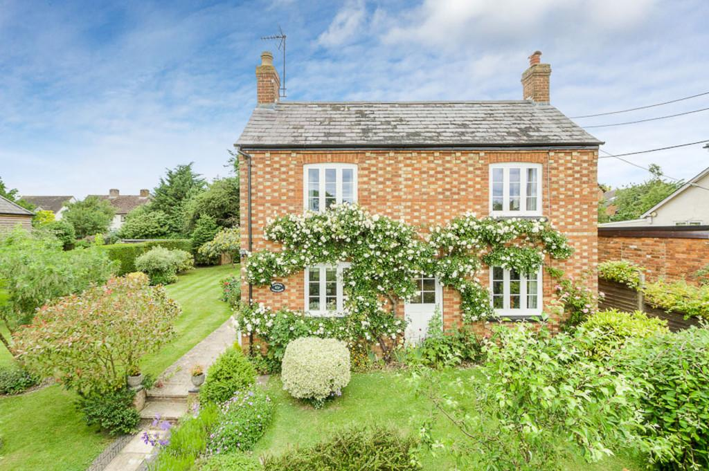 3 Bedrooms Detached House for sale in The Gardens, Adstock