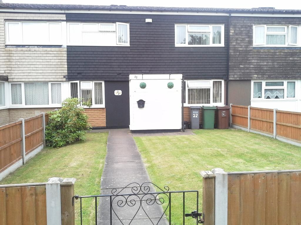 3 Bedrooms Terraced House for sale in Peace Walk, Chelmsley Wood, Birmingham B37