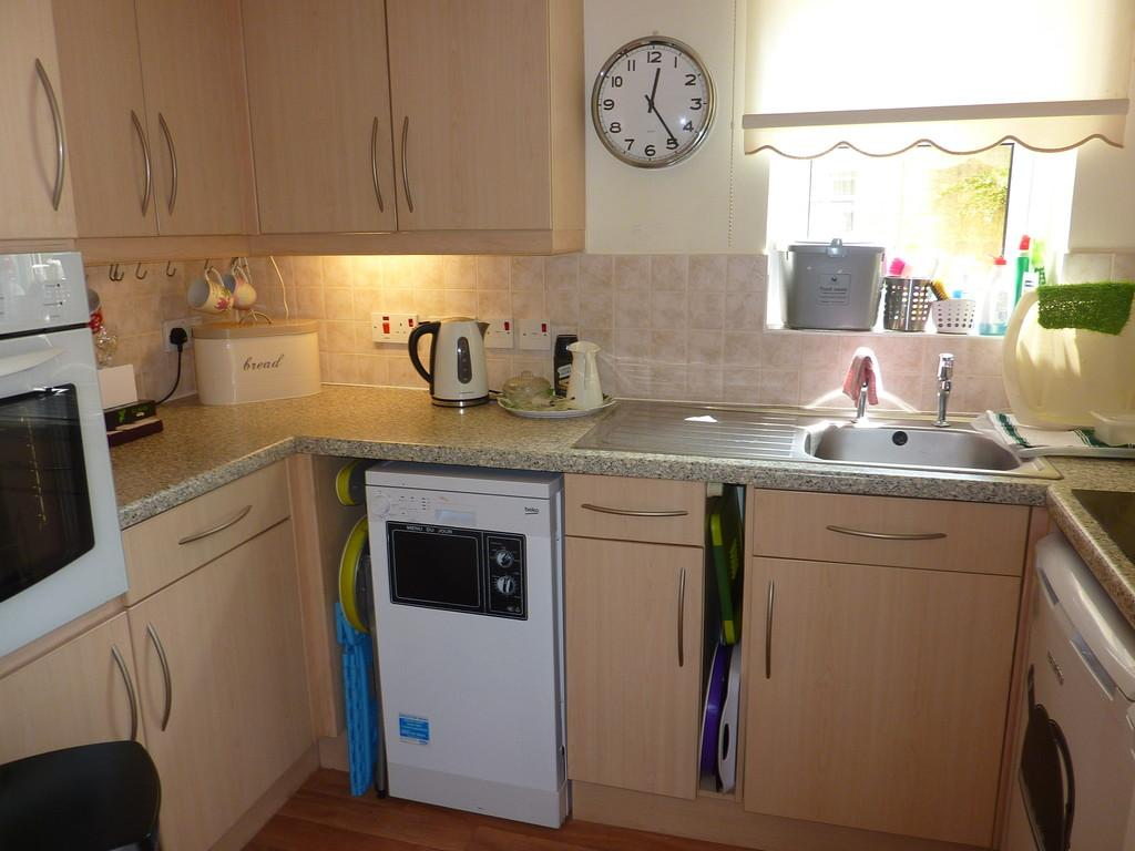 Chipping norton oxfordshire 1 bed apartment for sale for Kitchens chipping norton