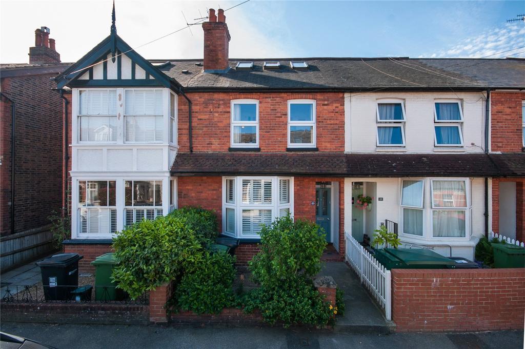 3 Bedrooms Terraced House for sale in Hart Road, Dorking, Surrey, RH4
