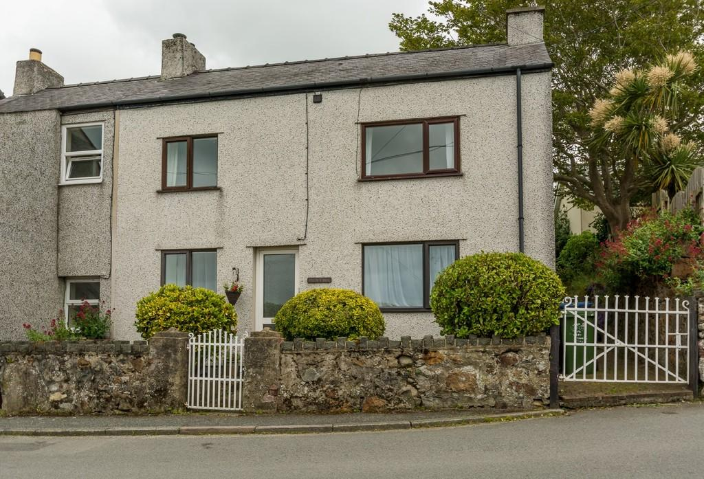 3 Bedrooms Semi Detached House for sale in Brynffynnon, Y Felinheli, North Wales
