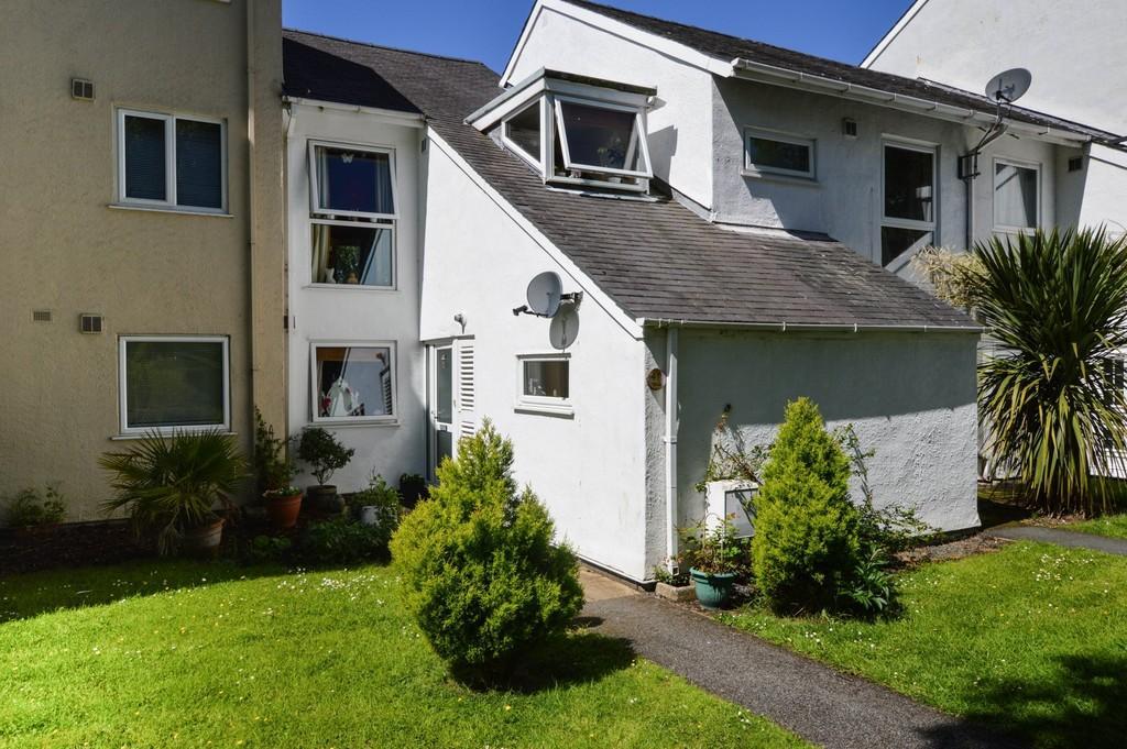 4 Bedrooms Terraced House for sale in Ffordd Garnedd, Y Felinheli, North Wales