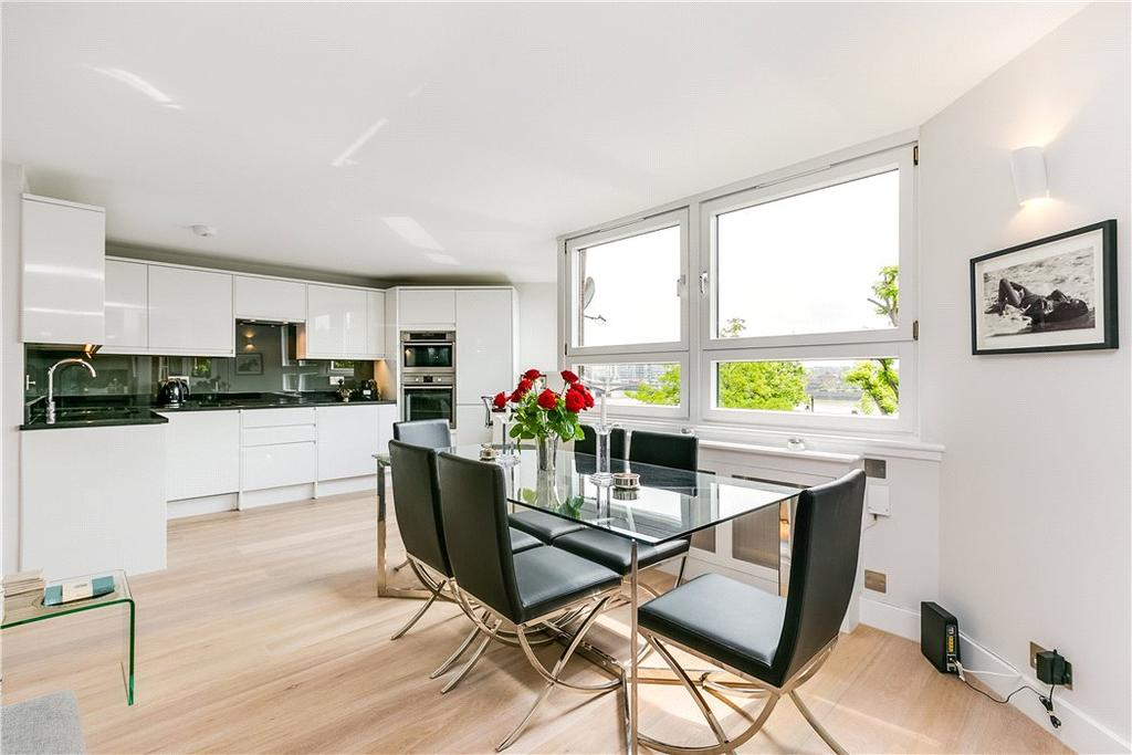 2 Bedrooms Flat for sale in Upper Blantyre Walk, Worlds End Estate, Chelsea, London, SW10