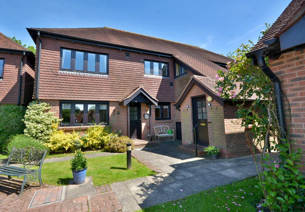 2 Bedrooms Ground Flat for sale in Church Street, West Chiltington, Pulborough