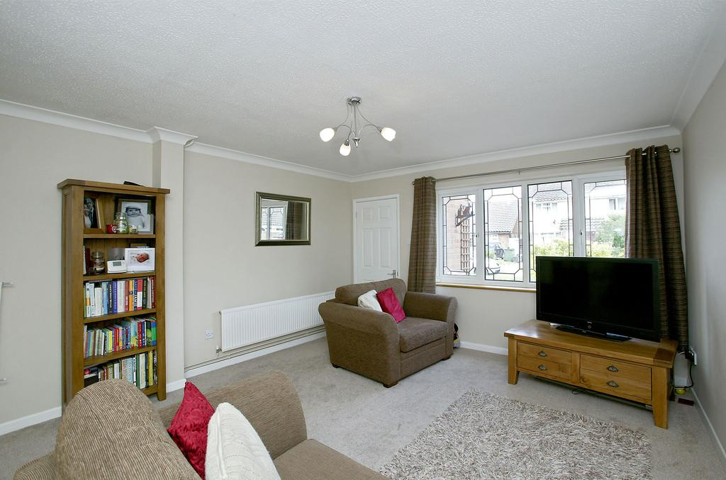2 Bedrooms Terraced House for sale in Hall Close, Hethersett