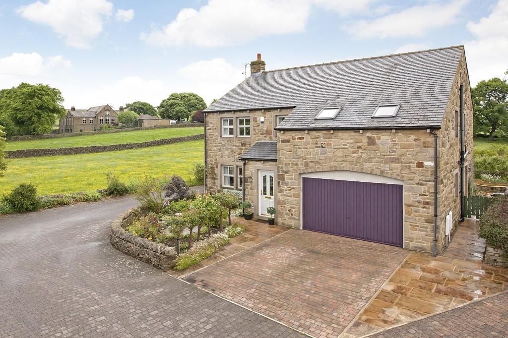 4 Bedrooms Detached House for sale in Jubilee Croft, Long Preston