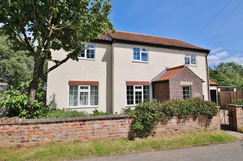 3 Bedrooms Cottage House for sale in Littlethorpe, Ripon