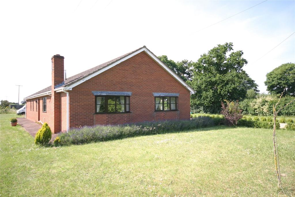 3 Bedrooms Detached Bungalow for sale in Turnpike Road, Red Lodge, Bury St Edmunds, Suffolk, IP28