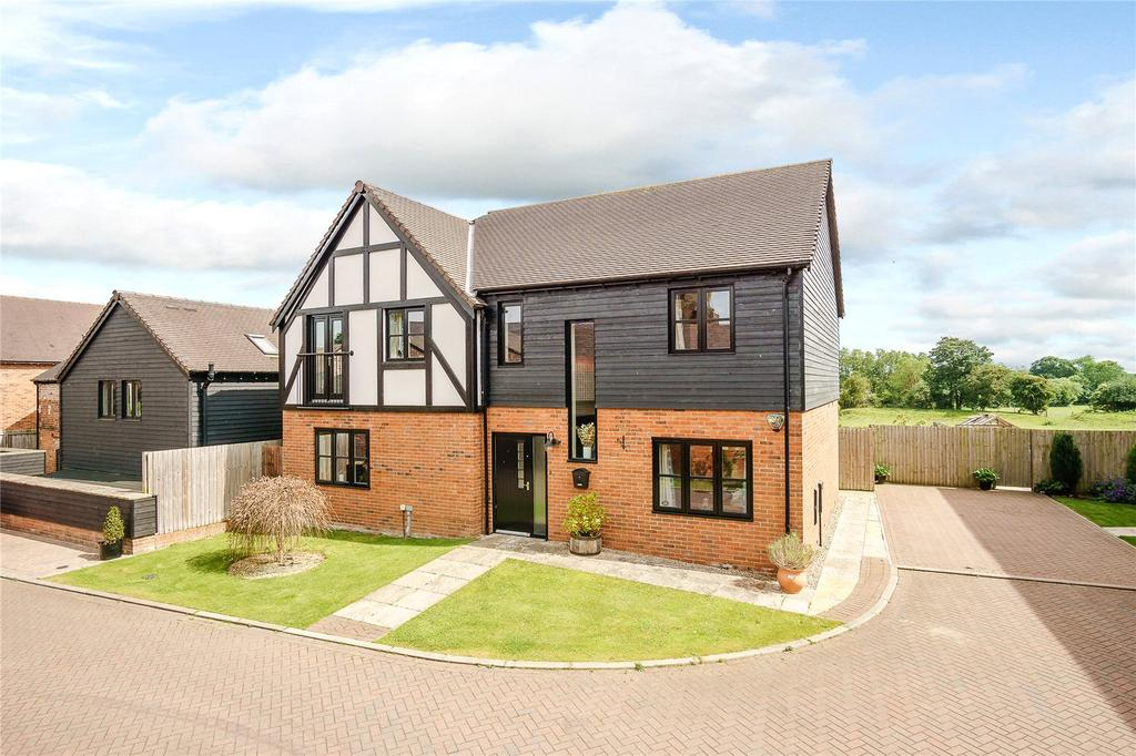 4 Bedrooms Detached House for sale in Bassa Road, Baschurch, Shrewsbury