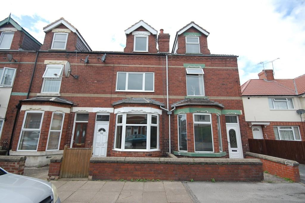 4 Bedrooms Terraced House for sale in Marshfield Avenue, Goole