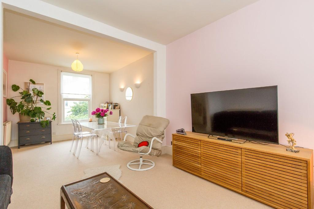 2 Bedrooms Ground Maisonette Flat for sale in Westbourne Street, Hove, BN3 5PG