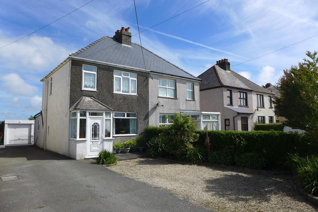 2 Bedrooms Semi Detached House for sale in Haven Road, Haverfordwest