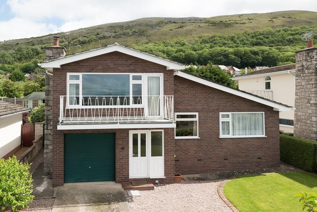 4 Bedrooms Detached House for sale in Clwyd Avenue, Dyserth