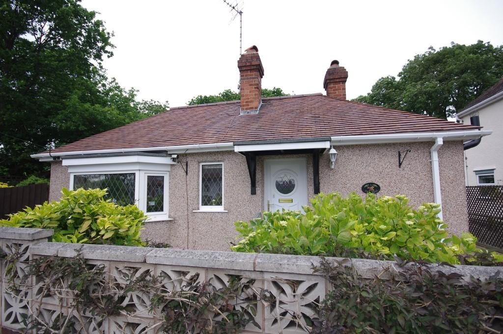 2 Bedrooms Detached Bungalow for sale in The Dell, Prestatyn