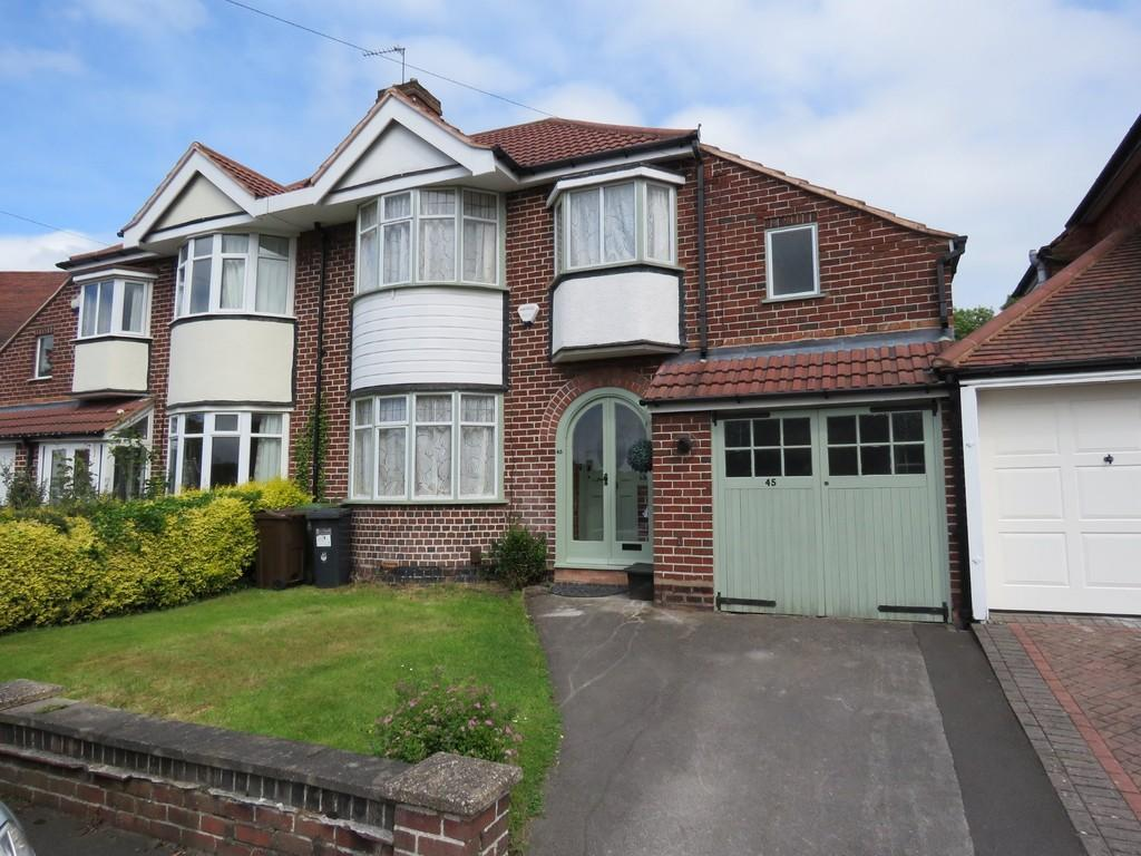 3 Bedrooms Semi Detached House for sale in Meadow Grove, Olton