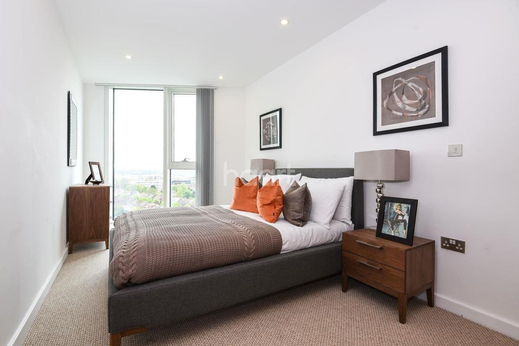 3 Bedrooms Flat for sale in Croydon