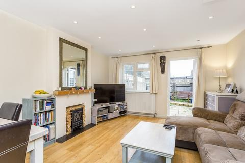 2 bedroom end of terrace house to rent - St Peters Close, Tooting , London