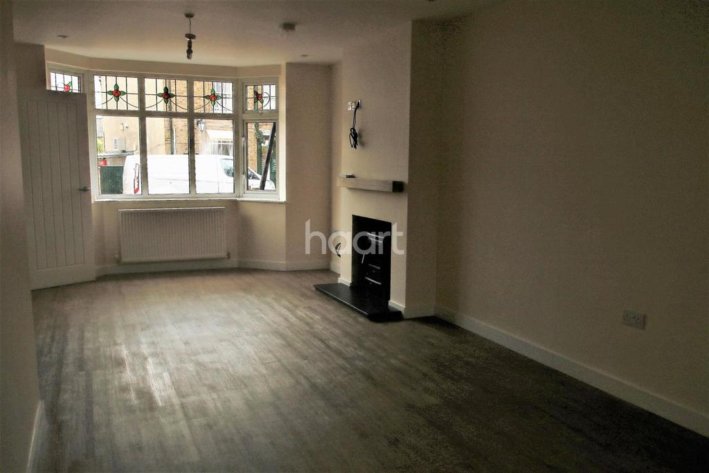 3 Bedrooms Semi Detached House for sale in New Town