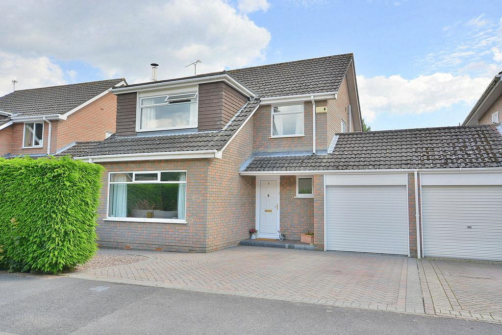 4 Bedrooms Link Detached House for sale in Holly Grove, Verwood