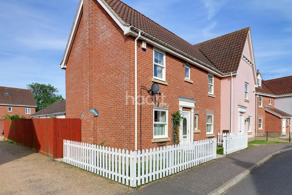 3 Bedrooms Semi Detached House for sale in Field Maple Road, Watton