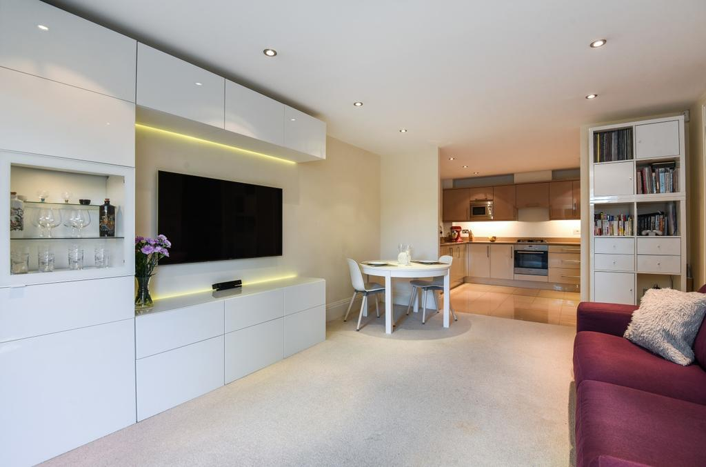 2 Bedrooms Flat for sale in Mays Hill Road Bromley BR2