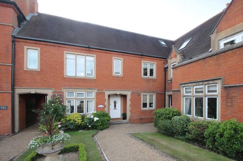 3 Bedrooms Terraced House for sale in Dene Park, Tonbridge