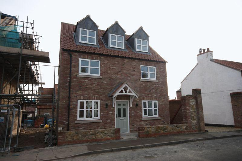 4 Bedrooms Detached House for sale in Kirkland Street, Pocklington