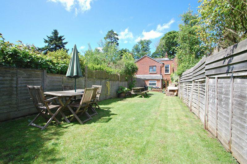 4 Bedrooms End Of Terrace House for sale in Newfield Road, LISS FOREST, Hampshire