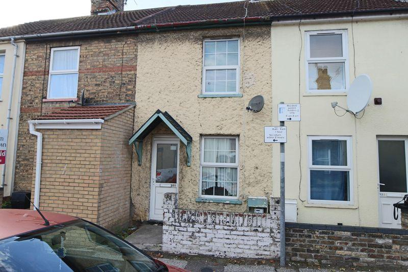 3 Bedrooms Terraced House for sale in Raglan Street, Lowestoft