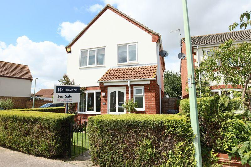 3 Bedrooms Detached House for sale in Colsterdale, Carlton Colville