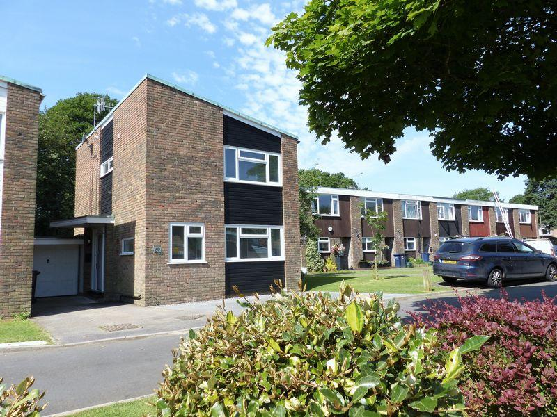 3 Bedrooms House for sale in Taylors Crescent, Cranleigh