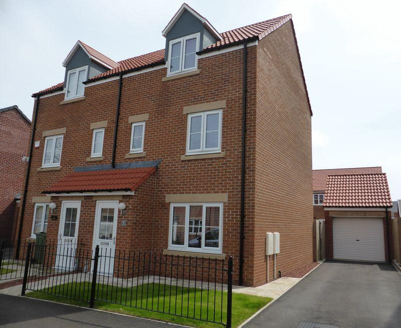 3 Bedrooms Town House for sale in Lynx Way, Stockton-On-Tees