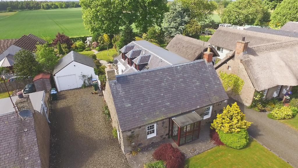 4 Bedrooms Detached House for sale in Mercat Green, Kinrossie, Perthshire , PH2 6HT