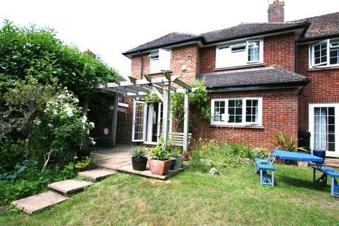 4 bedroom semi-detached house to rent - Oakland Way, Flackwell Heath, Buckinghamshire HP10