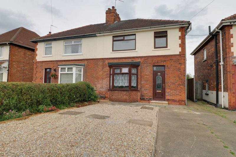 3 Bedrooms Semi Detached House for sale in Bottesford Road, Scunthorpe
