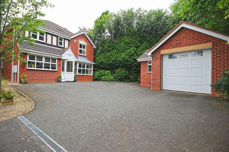 4 Bedrooms Detached House for sale in Winrush Close, Lower Gornal