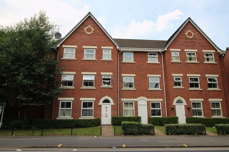 1 Bedroom Apartment Flat for sale in Russell Street, Willenhall