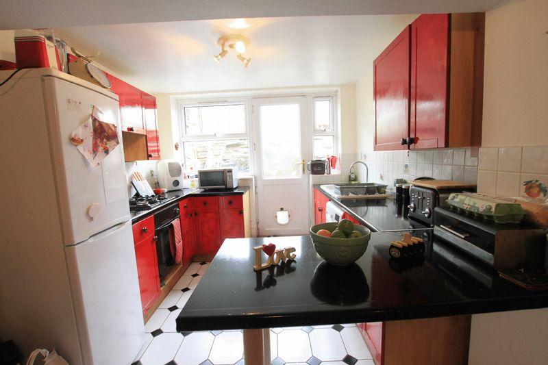 2 Bedrooms Terraced House for sale in Bethesda, Gwynedd