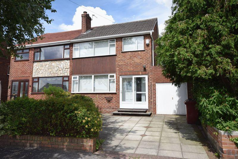 3 Bedrooms Semi Detached House for sale in Hall Lane, Widnes