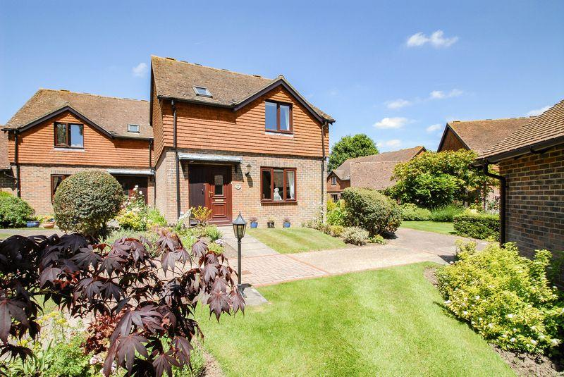 2 Bedrooms Retirement Property for sale in Dumbrells Court, Ditchling