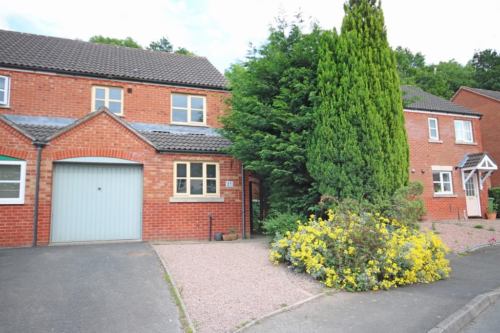 3 Bedrooms Semi Detached House for sale in Golding Way, Ledbury, HR8