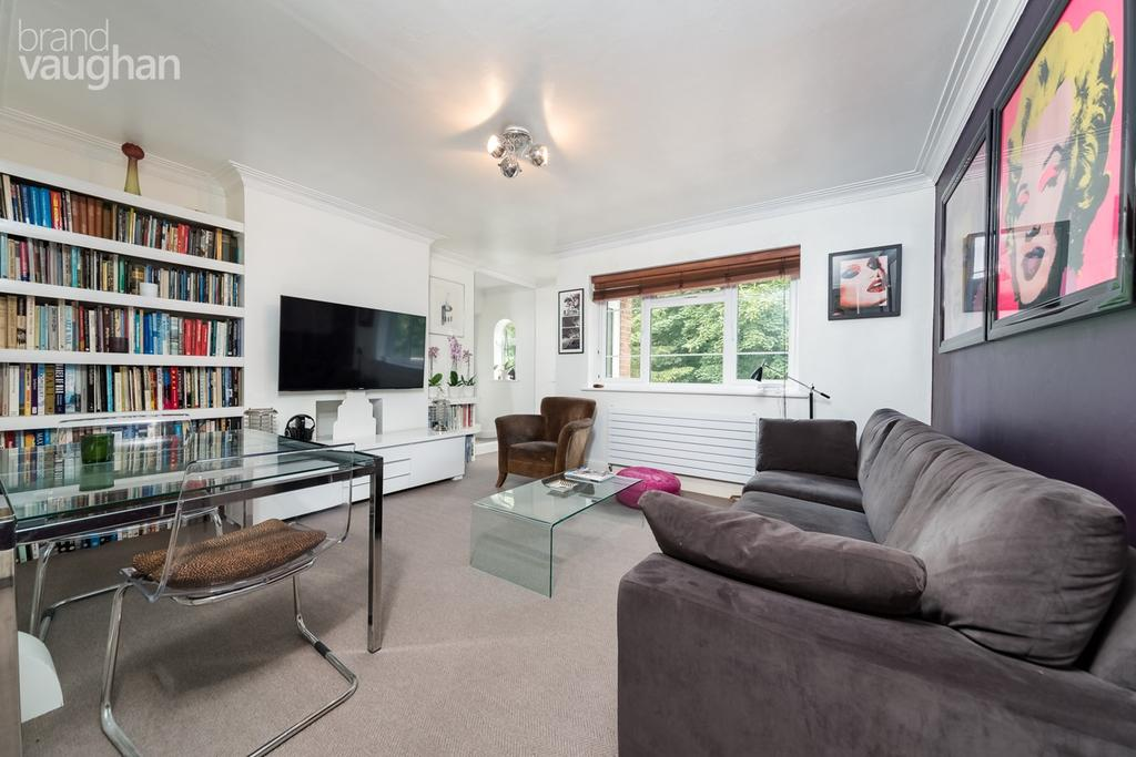 2 Bedrooms Apartment Flat for sale in Withdean Court, Brighton, BN1