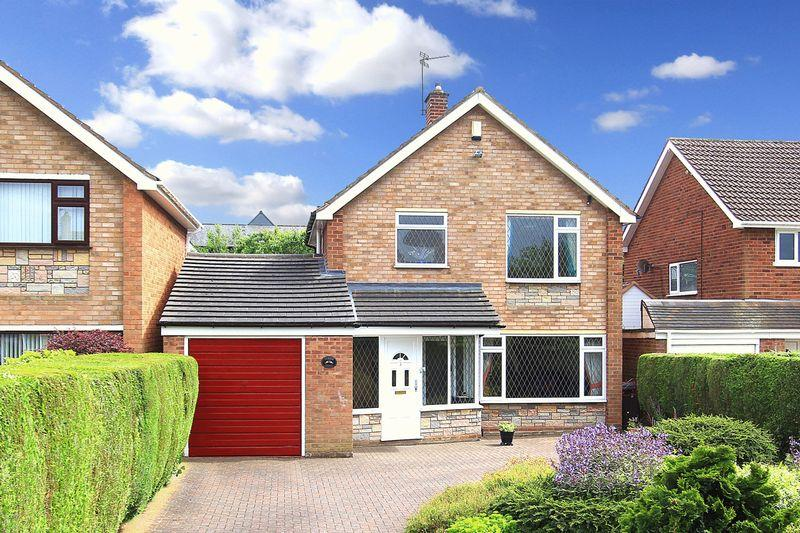 3 Bedrooms Detached House for sale in WOMBOURNE, Rennison Drive