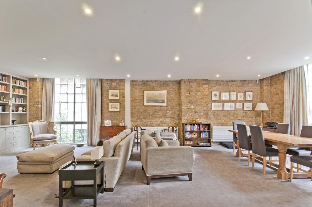 3 Bedrooms Maisonette Flat for sale in Tanners Yard, Long Lane, SE1